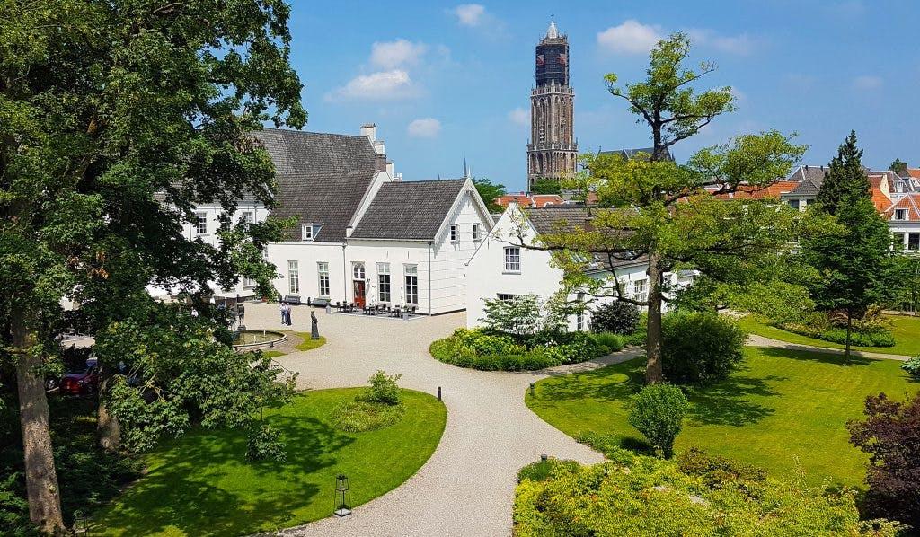 Duitse Huis: ridderklooster werd Grand Hotel Karel V