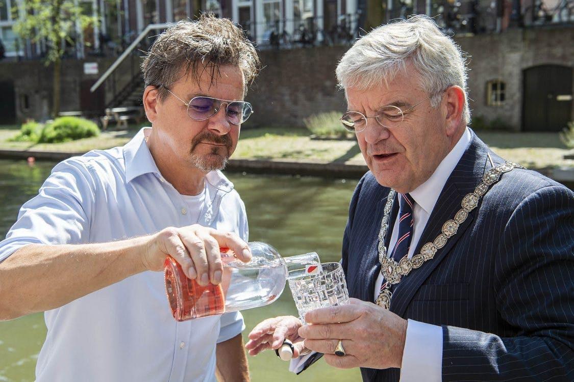 Utrecht heeft eigen flessenwater: Eau de Gracht
