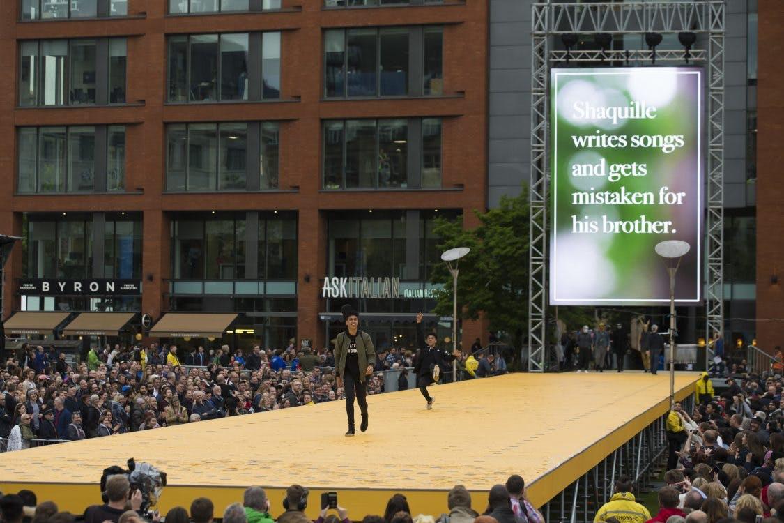 Grote catwalk tijdens Uitfeest met plek voor 150 Utrechters