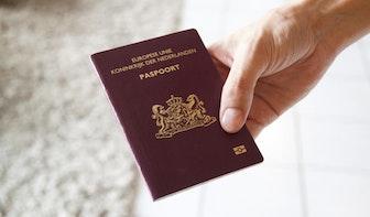 Persoon legitimeert zich met vals paspoort bij Utrechts Stadskantoor; verdachte is aangehouden