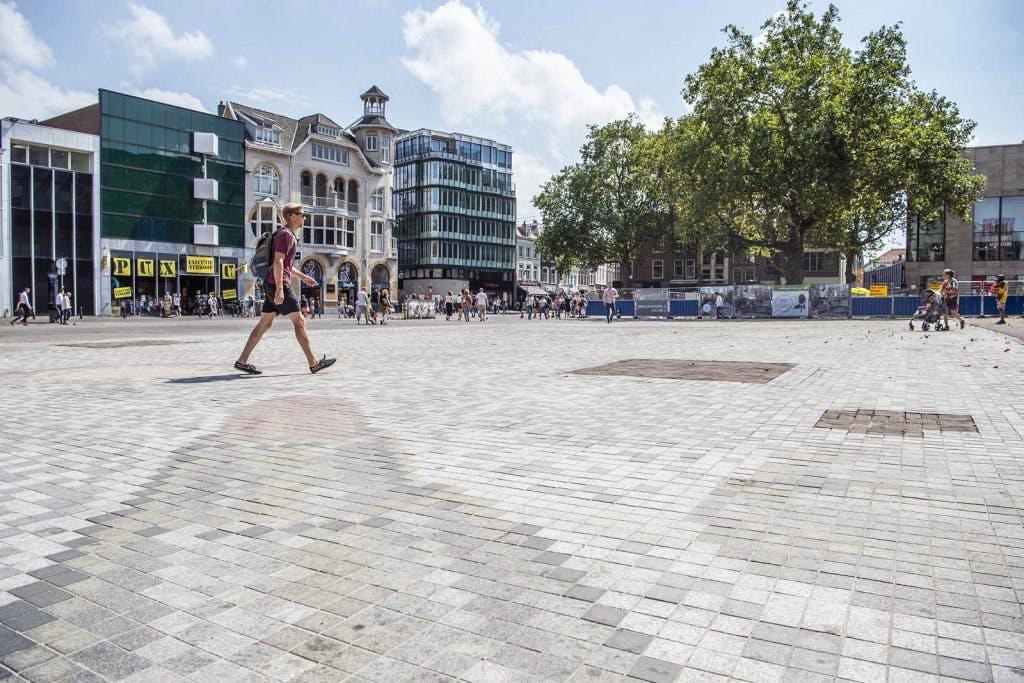 Kunstwerk Vredenburgplein blijkt inderdaad lastig schoon te maken