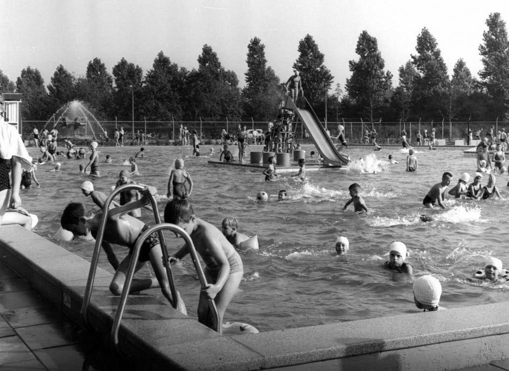Den Hommel Zwembad.Bewoners Maken Zich Hard Voor Buitenbad Bij Den Hommel De