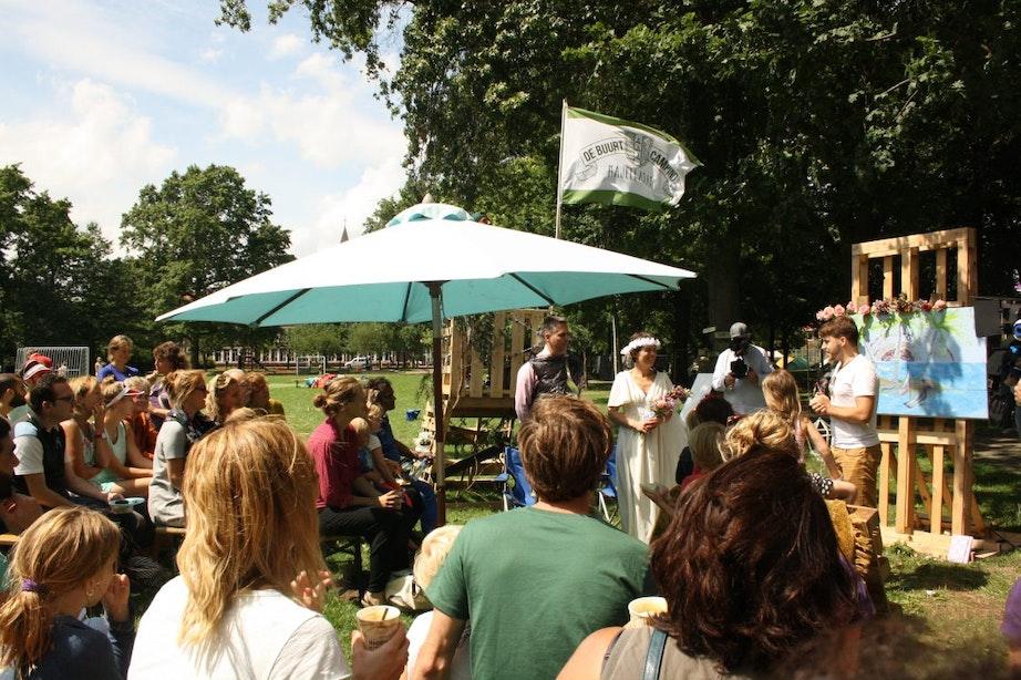 Doolhof, opera en buurtpicknick bij De Buurtcamping in het Majellapark in Utrecht