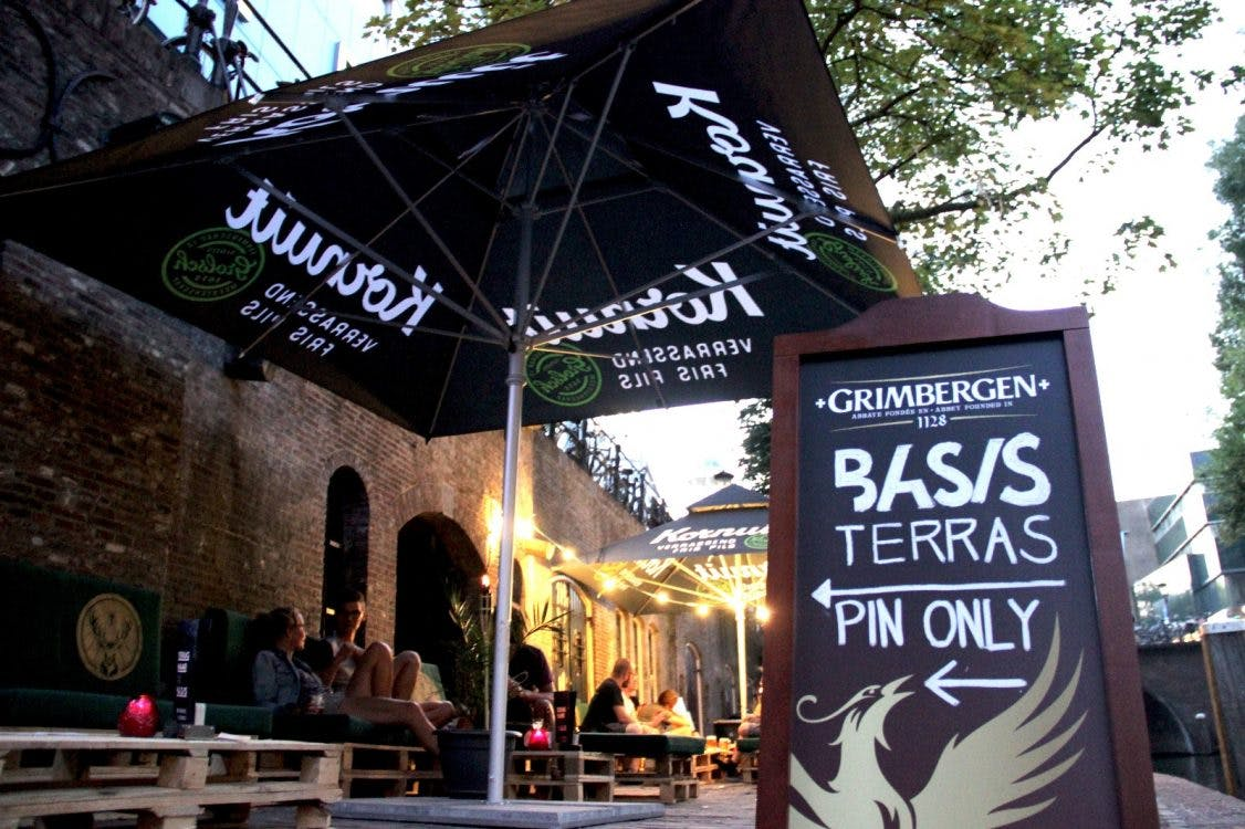 Club Basis opent vrijdagmiddag gloednieuw terras aan de Oudegracht