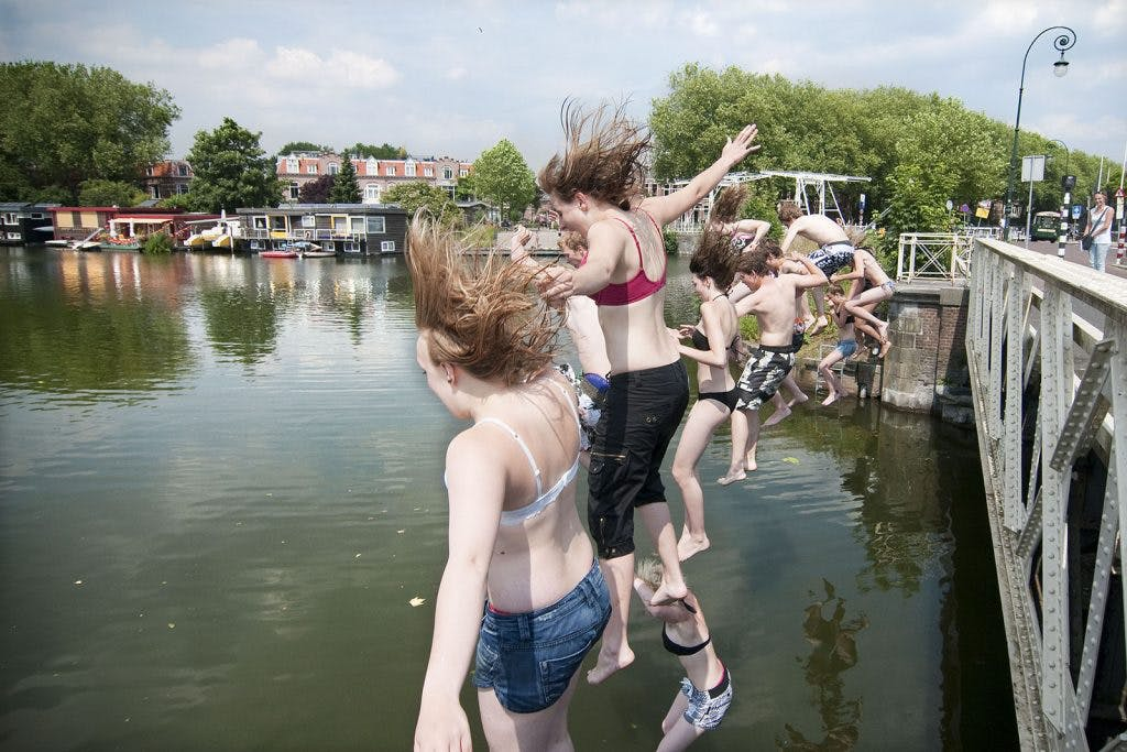Geen algeheel zwemverbod Merwedekanaal