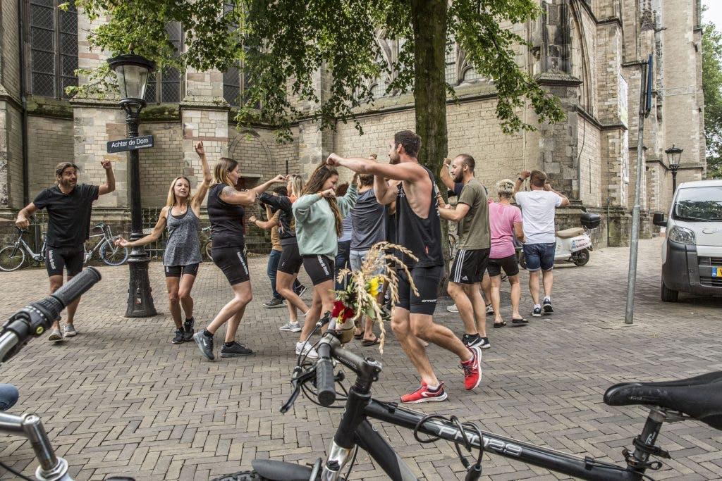 Groep Duitsers fietst 250 kilometer naar Utrecht om 'gestolen fietsen' terug te brengen