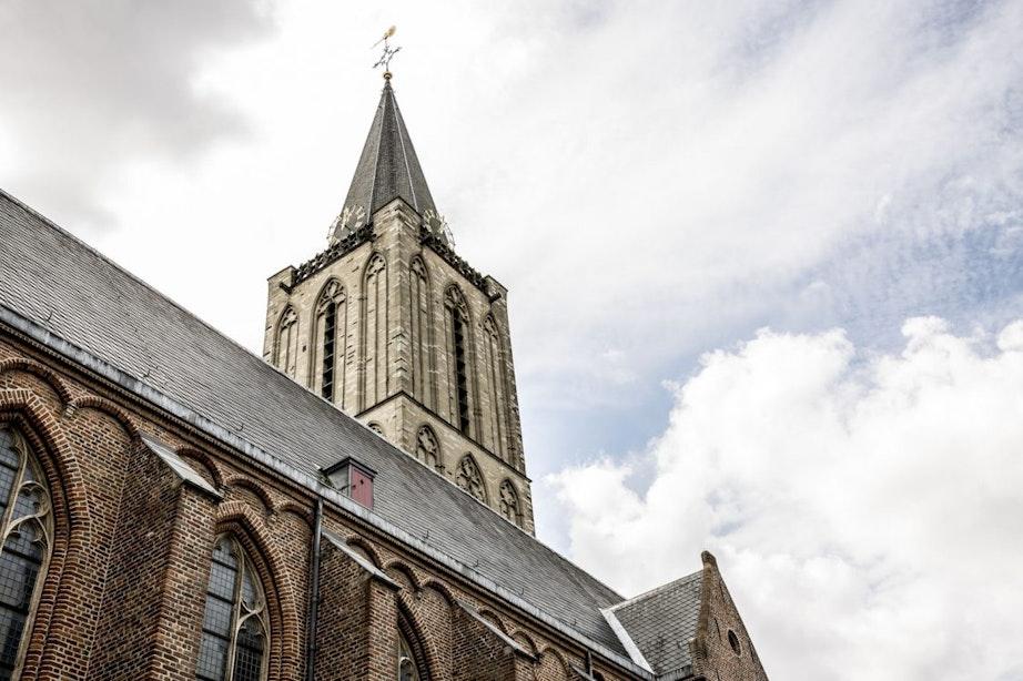 Debat Rutger Bregman en Beatrice de Graaf in Jacobikerk over goedheid van de mens