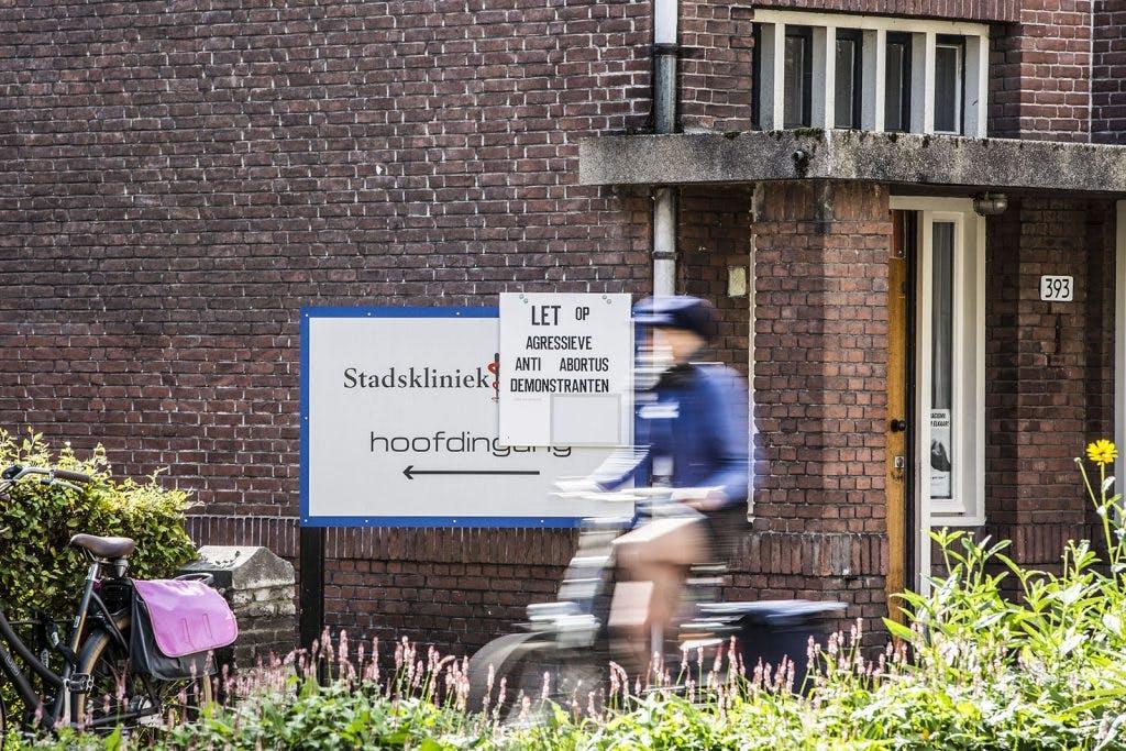 Stadskliniek Utrecht waarschuwt voor agressieve anti-abortusdemonstranten