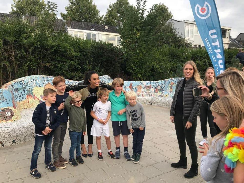 Nieuw schoolplein basisschool de Odyssee feestelijk geopend