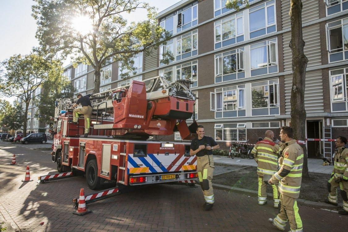 Bewoners vluchten na brand bij appartementencomplex IJsselsteinlaan