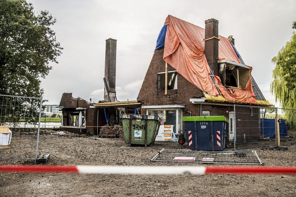'Brand ingestorte woning Kanaleneiland vermoedelijk aangestoken'