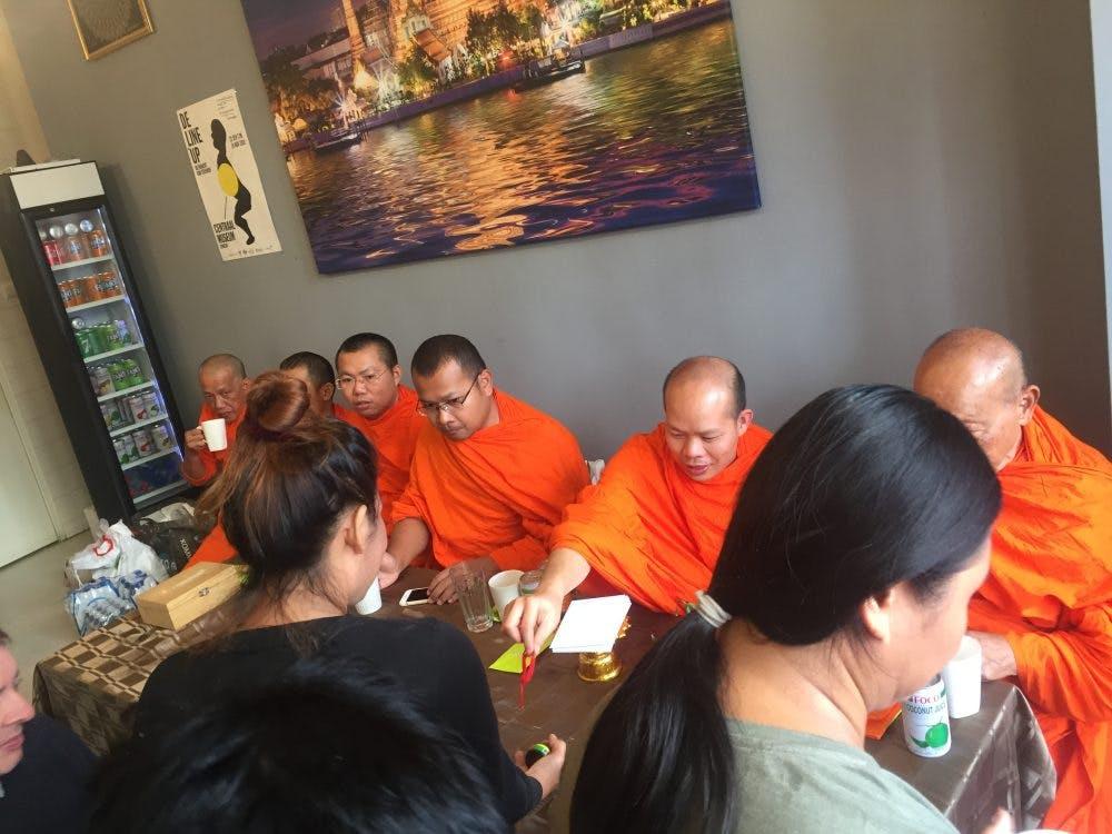 Thais restaurant in Utrecht gezegend door Waalwijkse monniken