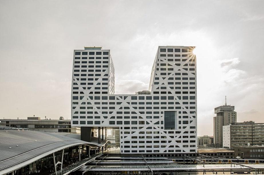 GroenLinks en D66 in Utrecht willen buurtstroomprojecten op gemeentedaken