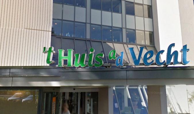 Bewoner Utrechts woonzorgcentrum overleden na val in de Vecht