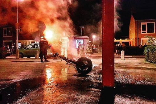 Scooter volledig uitgebrand in Hoograven