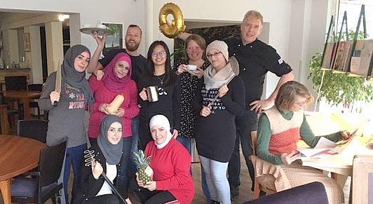 Restaurant én taalschool Queridon aan Saffierlaan opent officieel voor publiek