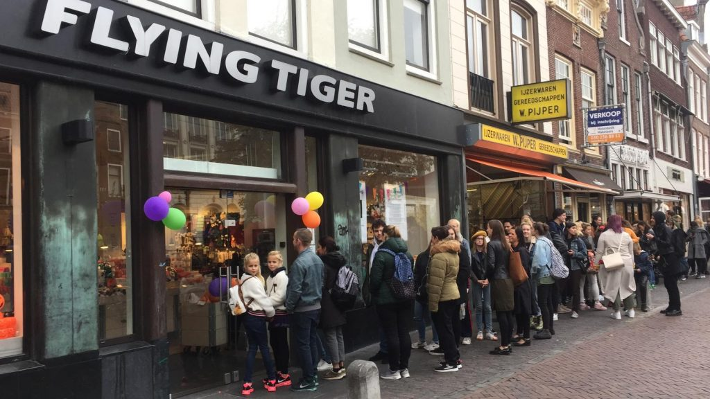 Long Line Waiting At Flying Tiger On The Oudegracht For An Action