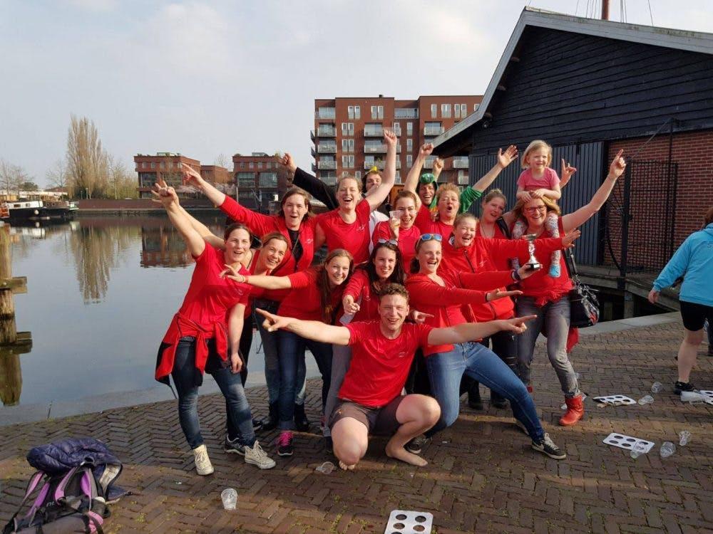 Utrechts damesteam pakt eerste prijs tijdens landelijke competitie sloeproeien