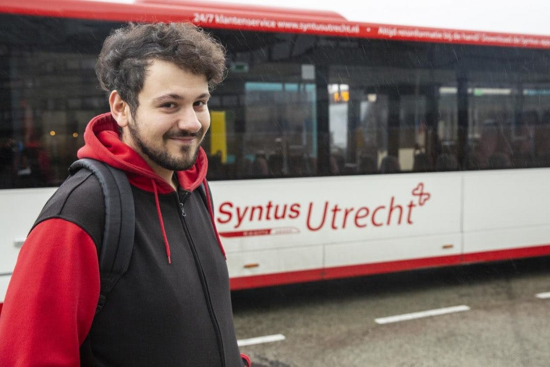 Wie reist er eigenlijk met de bus?