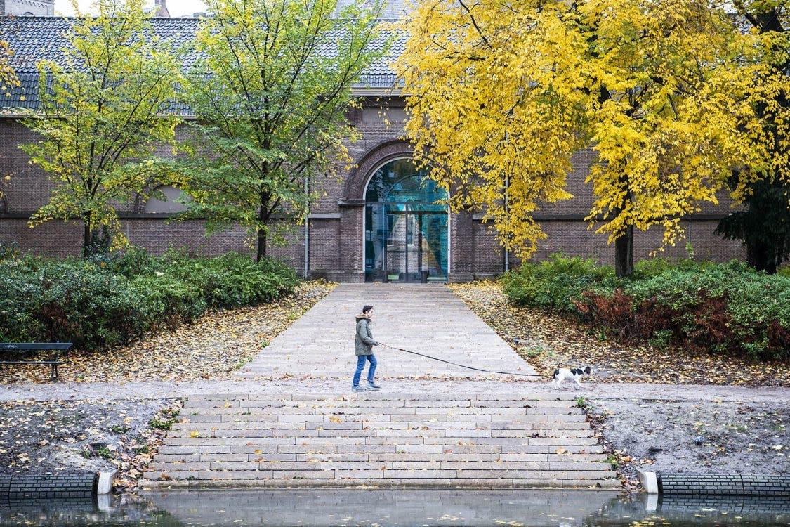 Nieuw kunstwerk in Utrecht: Verdwijnende trap verschijnt langs de singel