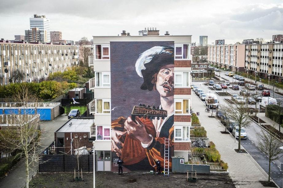 Foto's: Gigantische muurschildering brengt Utrechtse caravaggisten naar de wijken