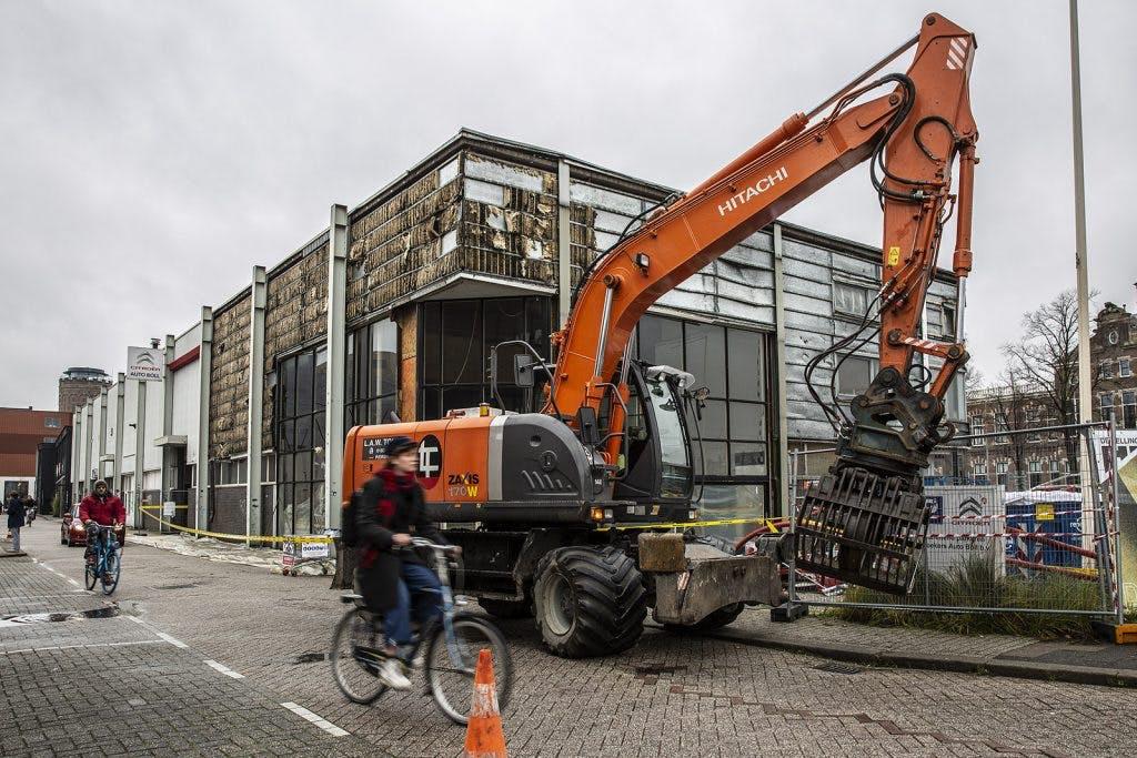 Oude Citroëngarage in Rotsoord wordt gesloopt