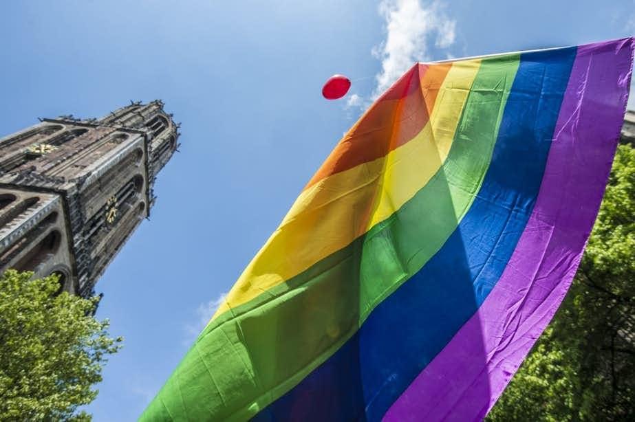 VVD-raadslid Queeny Rajkowski: 'Hijs de regenboogvlag in Utrecht'