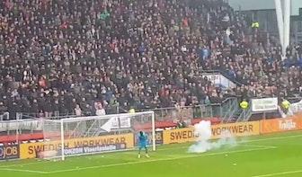 32-jarige Utrechter die vuurwerkbom gooide tijdens FC Utrecht-Ajax zit nog vast