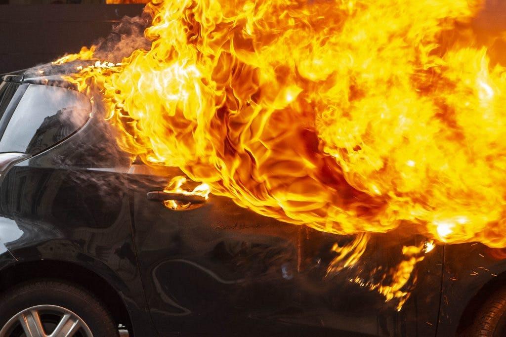 Weer drie auto's verwoest door brand