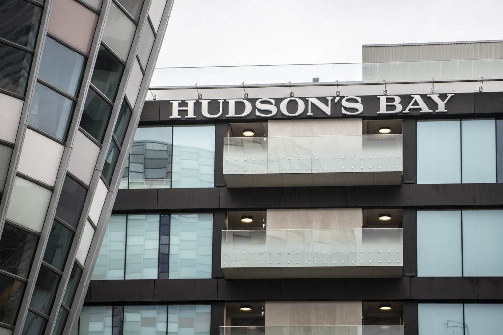 Burgemeester:  'Ik spreek Hudson's Bay aan op misstanden tijdens openingstoespraak'