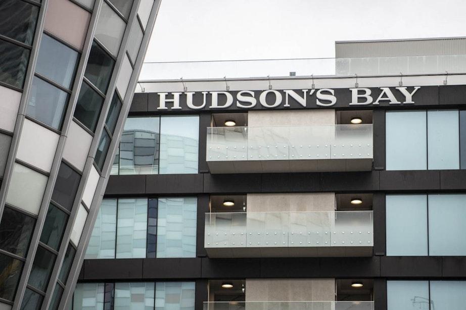 Moet de Utrechtse burgemeester de winkel van Hudson's Bay wel openen?