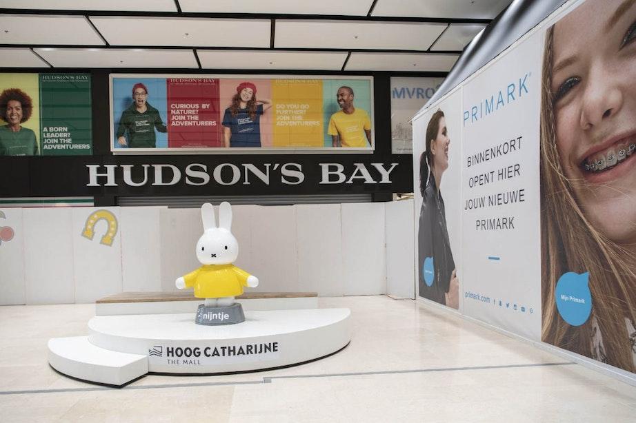Burgemeester opent Hudson's Bay in Hoog Catharijne