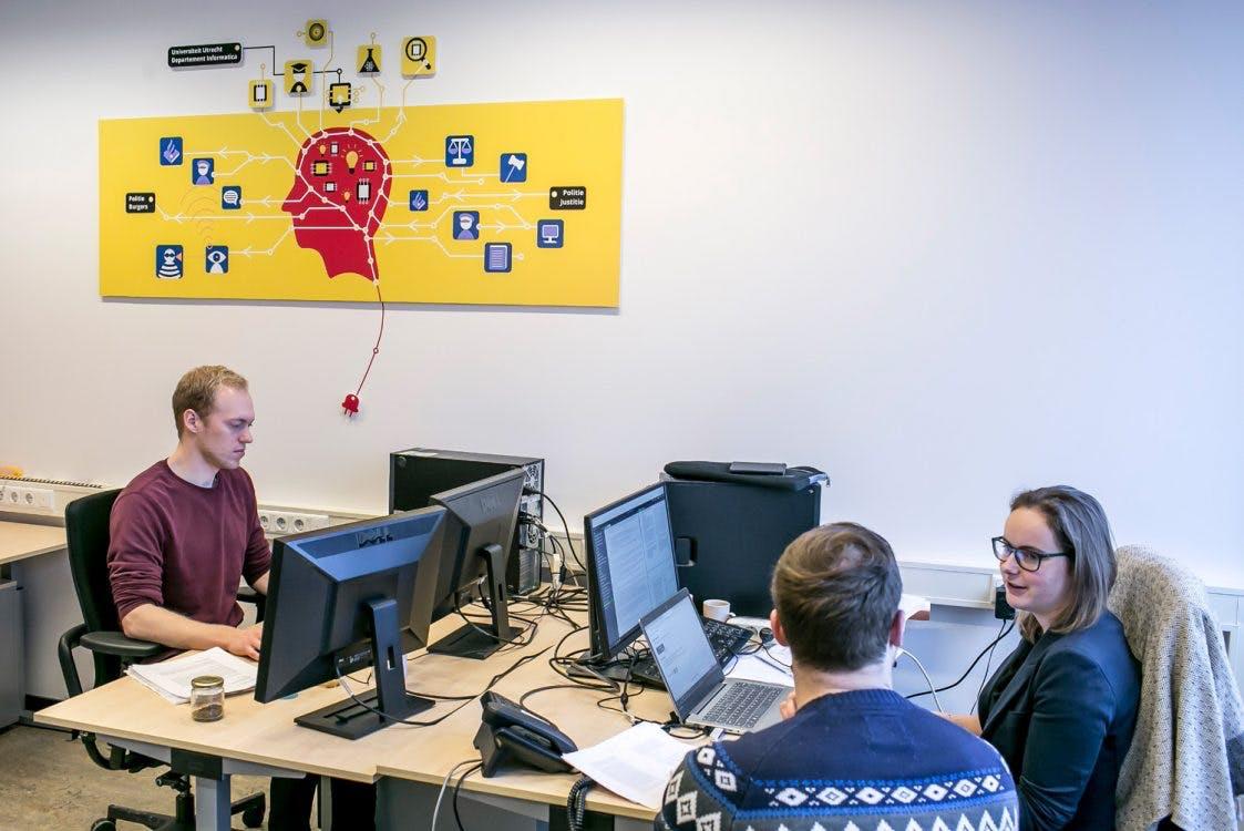 Politie en Universiteit Utrecht werken aan inzet kunstmatige intelligentie in lab
