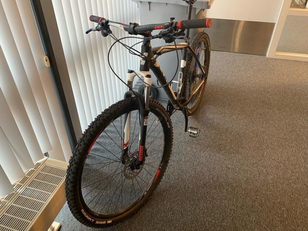 Man pakt fiets af van 'drugsgebruiker' en brengt deze 3 weken later naar bureau