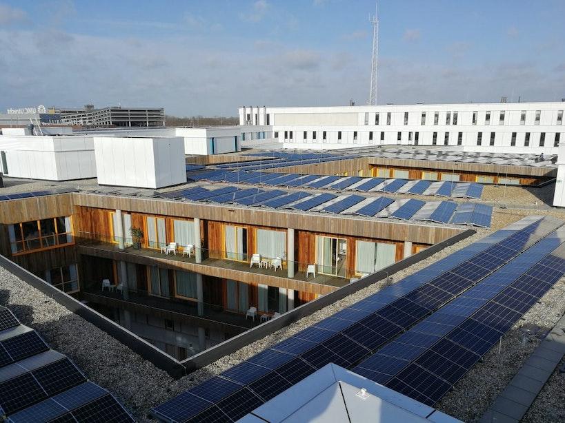 Zonnepanelenpark Prinses Máximacentrum opgeleverd