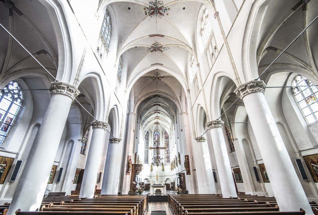 Verkoop Catharinakathedraal Lange Nieuwstraat: 'Neem ook kerkhistorie mee in discussie'
