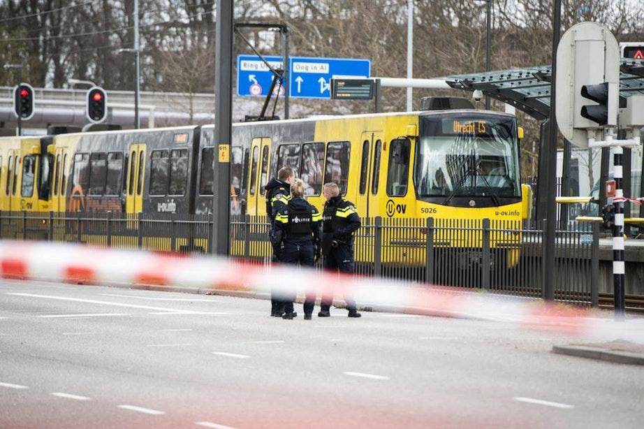 Aanslag 24 Oktoberplein in Utrecht; Drie doden, dader aangehouden, dreigingsniveau naar 4