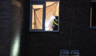Foto's: Politie doet onderzoek na aanhouding Gökmen Tanis aan de Oudenoord