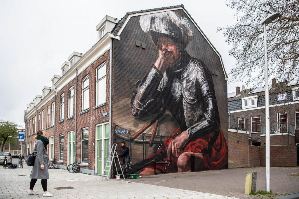 Foto's: Nieuwe Utrechtse muurschildering van 12 meter hoog aan Westplein