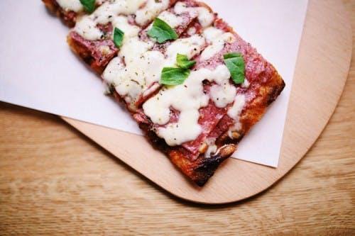 Vierkante pizza's van Sugo vanaf deze week aan het Vredenburg