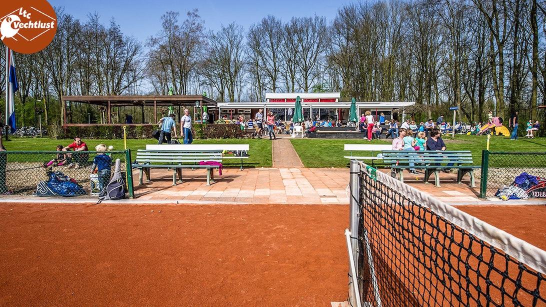 Kom tennissen bij LTC Vechtlust!