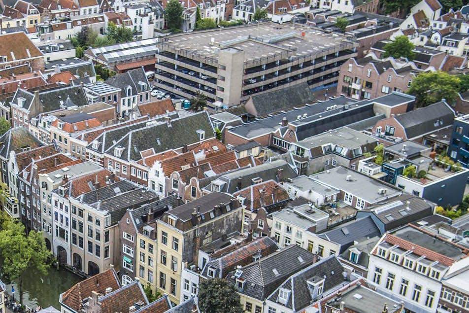 Wat moet er met parkeergarage Spingweg en omgeving gebeuren?