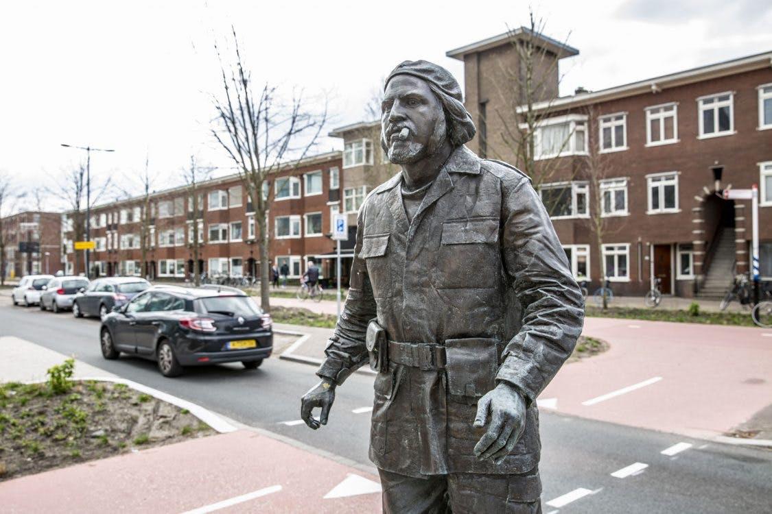 Croeselaan krijgt vorm; Levensgroot standbeeld van Che Guevara geplaatst