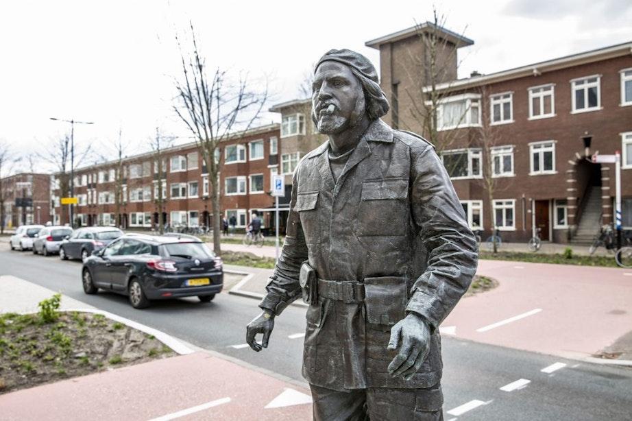 PVV: 'Mag er naast de beeltenis van Che Guevara ook een beeltenis van Hitler staan?'