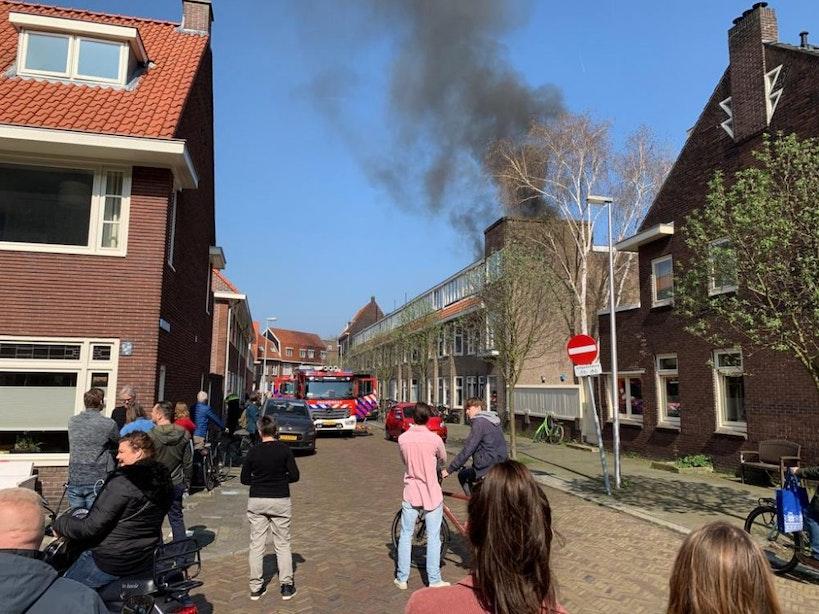 Brandweer druk met flinke woningbrand in Tuinwijk