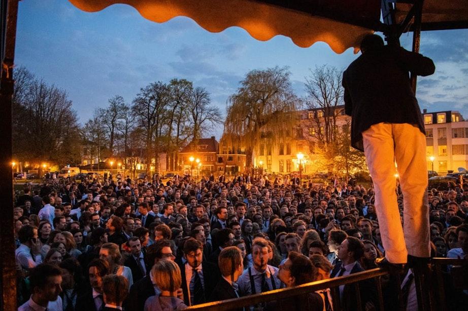 Duizenden mensen in Utrecht vieren overwinning Triton