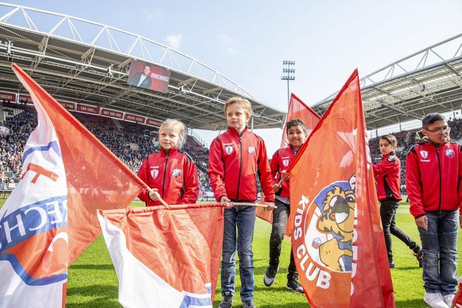 Kinderen uit WKZ eregast bij FC Utrecht