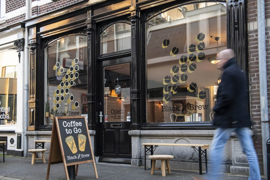 Jette & Jildou drinken koffie bij Black Brew: gewoonweg cool