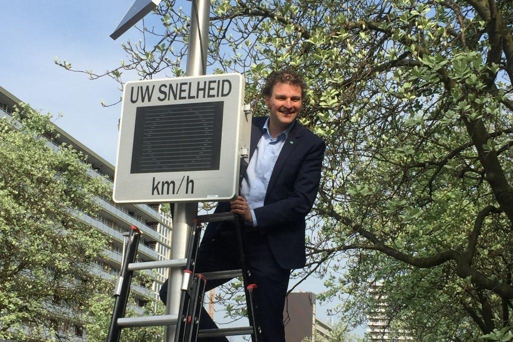 Utrecht krijgt nieuwe smileyborden voor snelheid