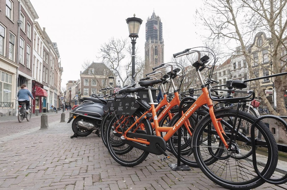 Donkey Republic gaat doneren van fietsen aan sociaal project belonen